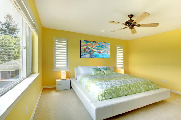 žlutá barva v interiéru